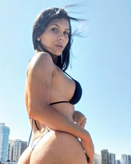 travesti Julia Gomez anuncio