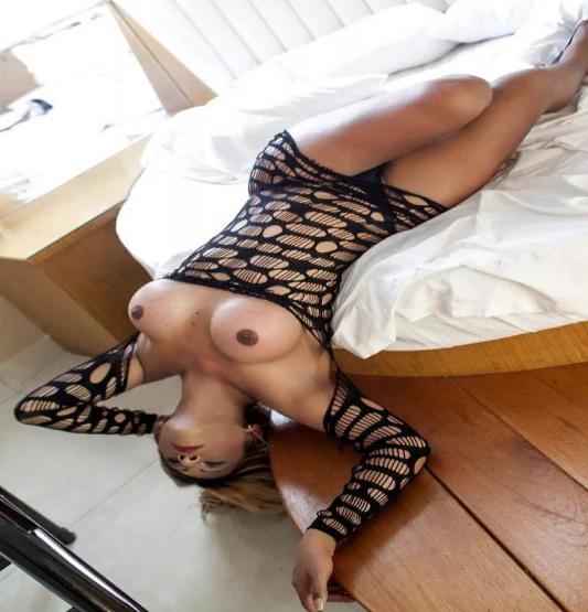Travesti Acompanhante  Khiara Barone 0689207